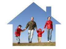 Familie im Traumhaus Stockbilder