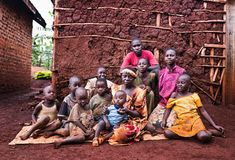 Familie in Jinja Uganda lizenzfreie stockfotos