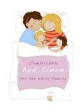 Familie met kinderen die samen slapen Bedlinnen Stock Foto's