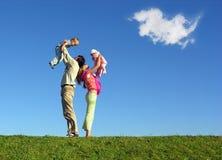 Familie met twee kinderen stock fotografie