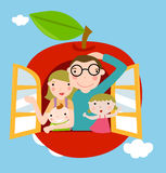 Familie mit Apfelhintergrund Stockfotos