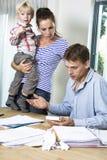 Familie mit Finanzproblemen Stockfotos