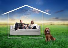 Familie mit Haustier Stockfotos