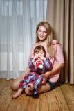 Familie, Mutter und Sohn Stockfoto