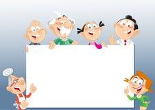 Familie nahe dem Werbungsstand Stockfoto