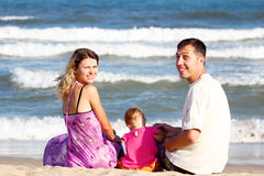Familie op het overzees Stock Foto's