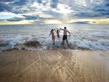 Familie op het strand Royalty-vrije Stock Afbeelding