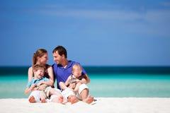 Familie op vakantie Stock Foto's
