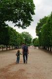 Familie in Paris Stockfotografie