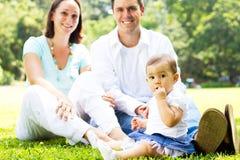 Familie in park royalty-vrije stock afbeelding