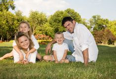 Familie am Park Stockfoto