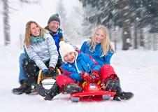 Familie-sneeuw-pret 01 Stock Fotografie
