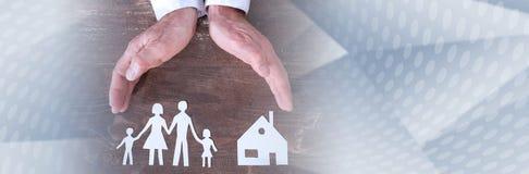 Familie und Hausversicherungskonzept Panoramische Fahne lizenzfreie stockfotos
