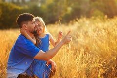 Familie Vader en dochter leisure stock afbeeldingen