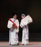 """Familie van de drie-achtste handeling die nieuw krijgen - geboren kind-Kunqu Opera""""Madame Witte Snake† stock afbeelding"""