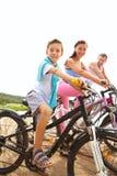 Familie van fietsers Stock Foto's