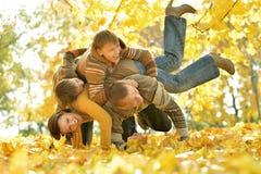 Familie van vier die genieten van Stock Fotografie