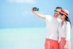 Familie von zwei haben Spaß auf dem Strand Stockfoto