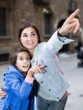 Familie während des Sightseeing-Tours Stockfoto