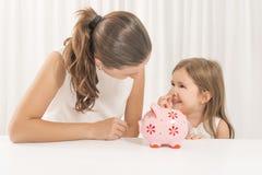 Familiebegroting en besparingenconcept stock foto