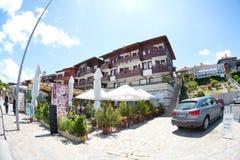 Familiehotel en restaurant op de promenade van Nessebar, Bulgarije Royalty-vrije Stock Foto