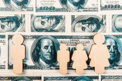 Familiekinderen Financi?le problemen van gezinsleven royalty-vrije stock afbeelding