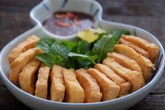 Familiemaaltijd, gebraden tofu met garnalendeeg Stock Foto