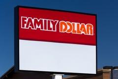 Familien-Dollar-Speicher und Zeichen Stockfoto