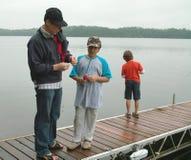 Familien-Fischen-Wochenende Ontario Kanada Stockbilder
