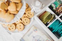 Familien-Frühstückstisch Lizenzfreie Stockfotos