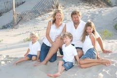 Familien-Lächeln Lizenzfreie Stockfotos