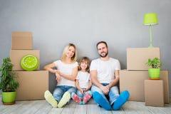 Familien-neues bewegliches Tageshaus-Hauptkonzept stockbilder