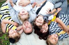 Familien-Niederlegung Stockfotos