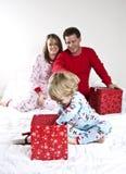 Familien-Weihnachtsmorgen Lizenzfreies Stockfoto