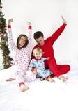Familien-Weihnachtsmorgen Stockfotografie