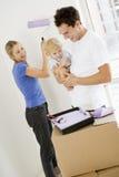 Familienanstrichraum im neuen Haus Stockfoto