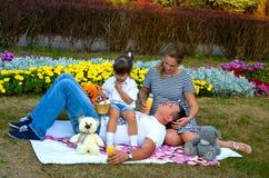 Familienentspannung Stockbilder