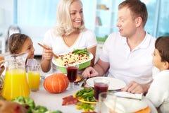 Familienfeier lizenzfreie stockfotos