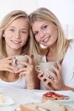 FamilienFrühstückszeit Lizenzfreie Stockfotos