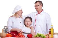 Familienkochen stockbild