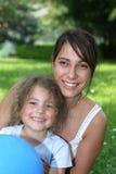 Familienlächeln stockfotografie