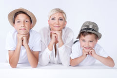 Familienporträt, Mutter mit Söhnen Lizenzfreies Stockbild