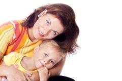 Familienportrait der kaukasischen Mutter mit Tochter Stockfotografie