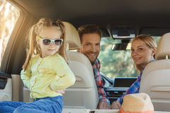 Familienreise der Reise mit dem Auto machen zusammen Urlaub Stockfotos