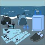 Familienurlaubplakat Flugtickets, Gepäck und Schuhe auf Strand Sommerferien zusammen Stockbild