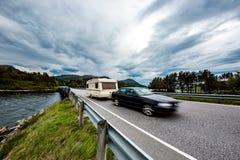 Familienurlaubreise, Feiertagsreise im motorhome, Wohnwagenauto m Lizenzfreies Stockbild