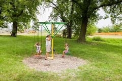 Familiepret in park royalty-vrije stock foto's
