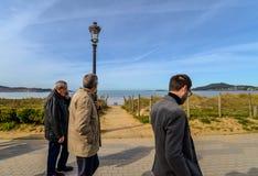 Families in Playa Amerika - Nigran - Galicië stock foto
