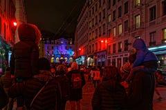 Families in Saint Paul tijdens Festival van lichten stock afbeeldingen