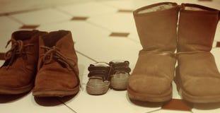 Familj av skor royaltyfri foto